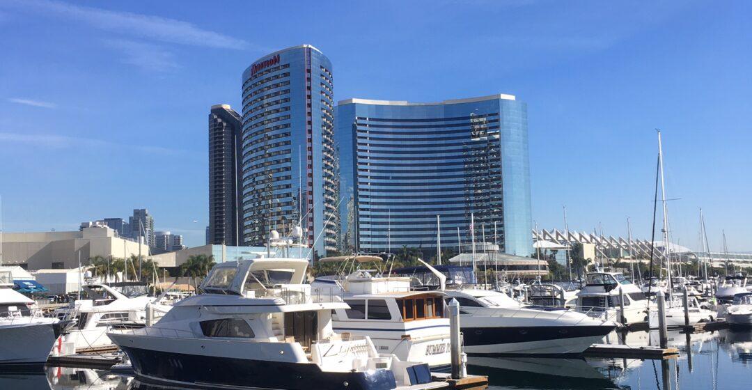Konferenssin päätapahtumapaikkana oli San Diegon Marriott Marquis Marina – hotelli.
